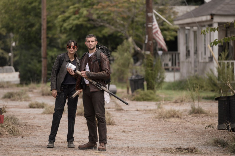 Third walking dead spinoff Nico Tortorella as Felix, Annet Mahendru as Huck