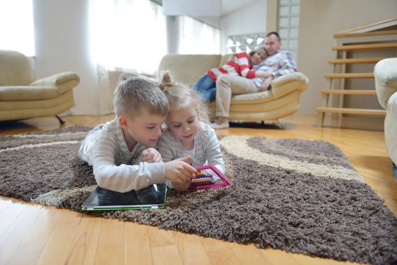 Children watching ipad and learning math 800