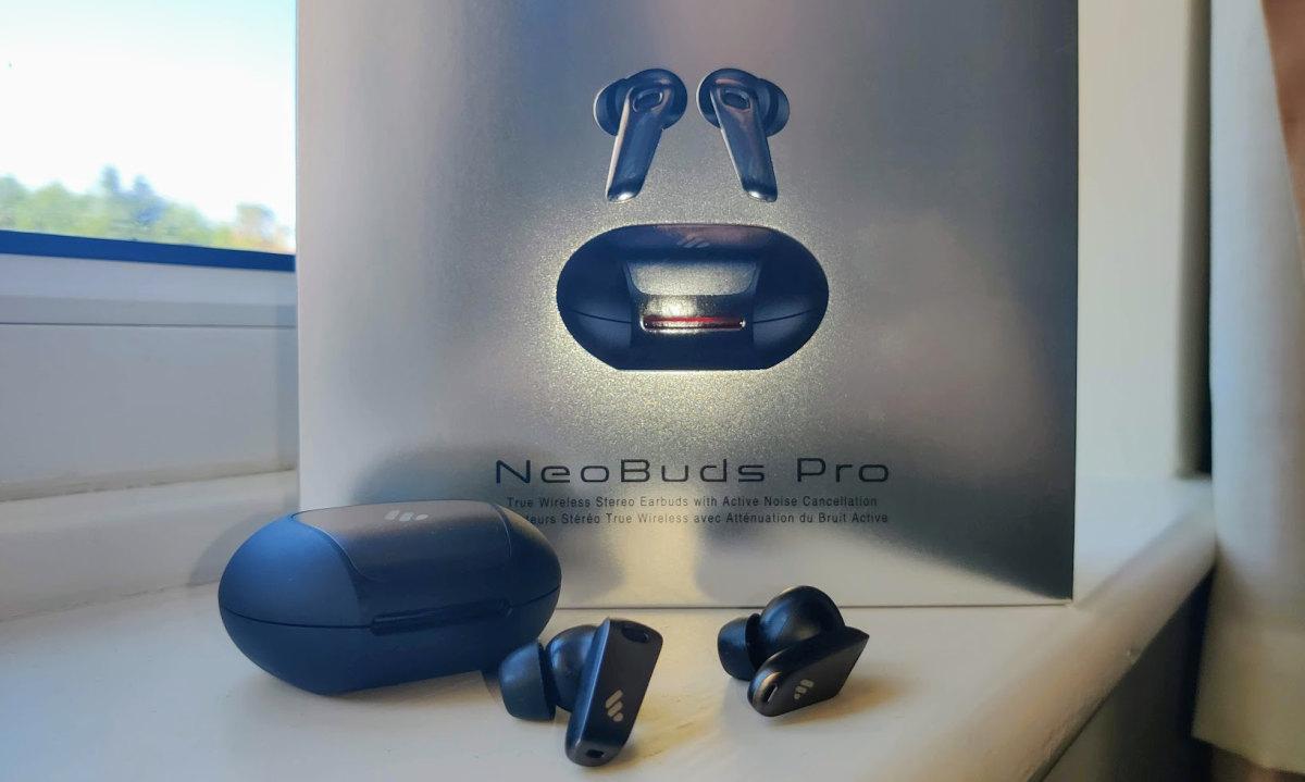 Edifier NeoBuds Pro window